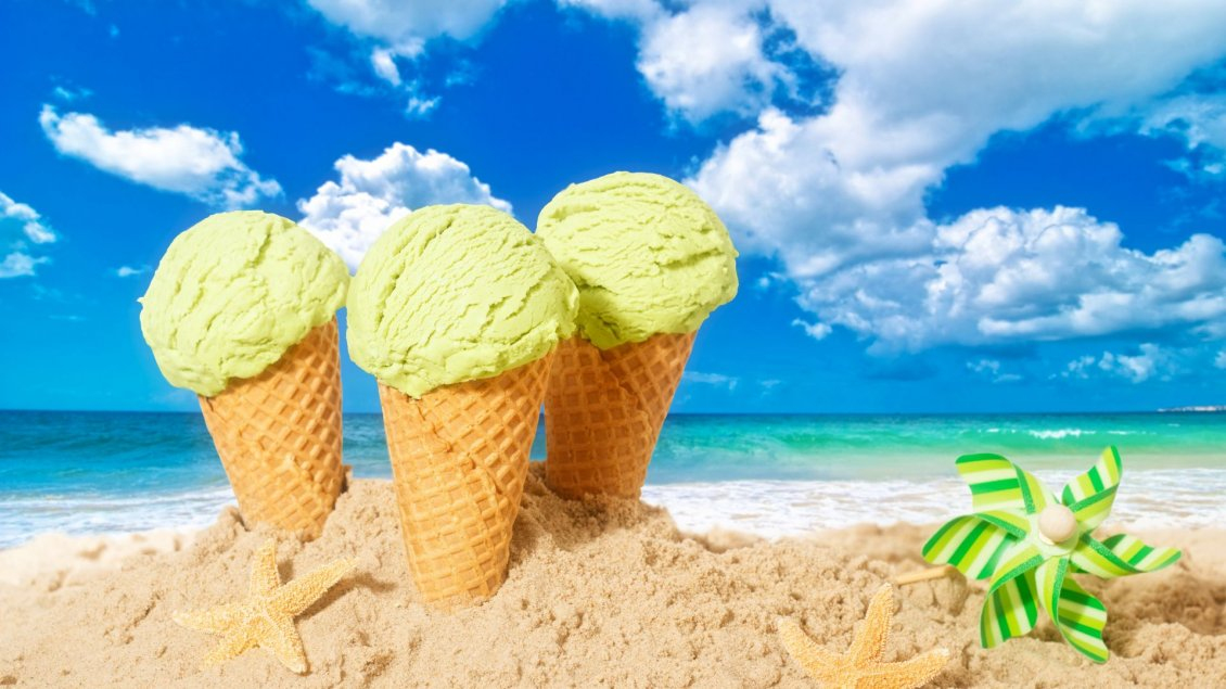 Download Wallpaper Mint icre cream and beautiful summer holiday at the beach
