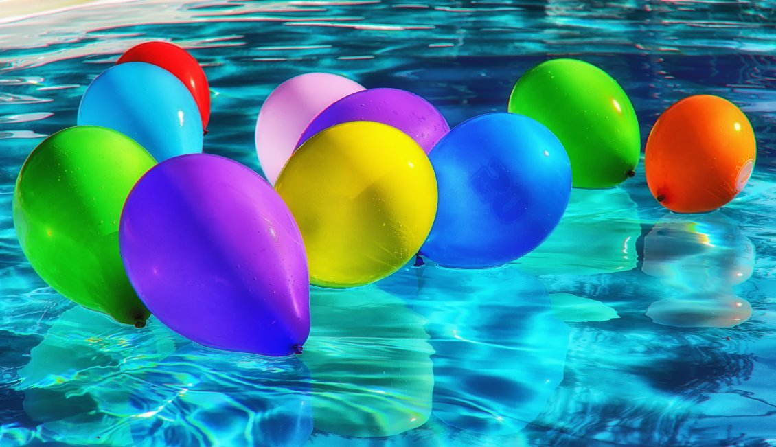 Download Wallpaper Party all day - Colorful balloons in the pool