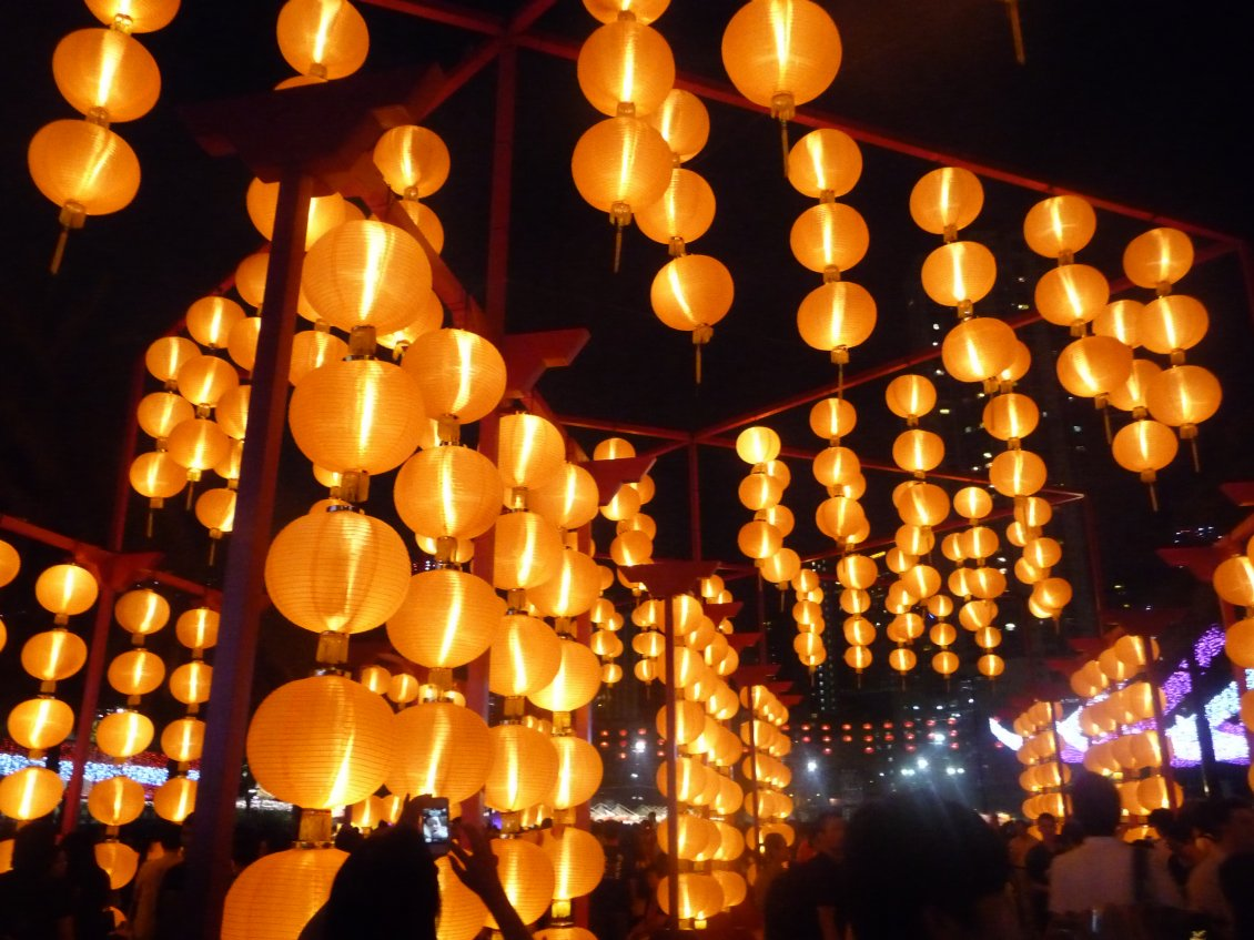 Download Wallpaper China town - Wall of lights magic moments