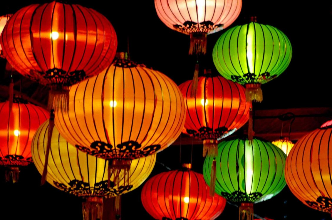 Download Wallpaper Big colorful lights from China in the sky - HD wallpaper