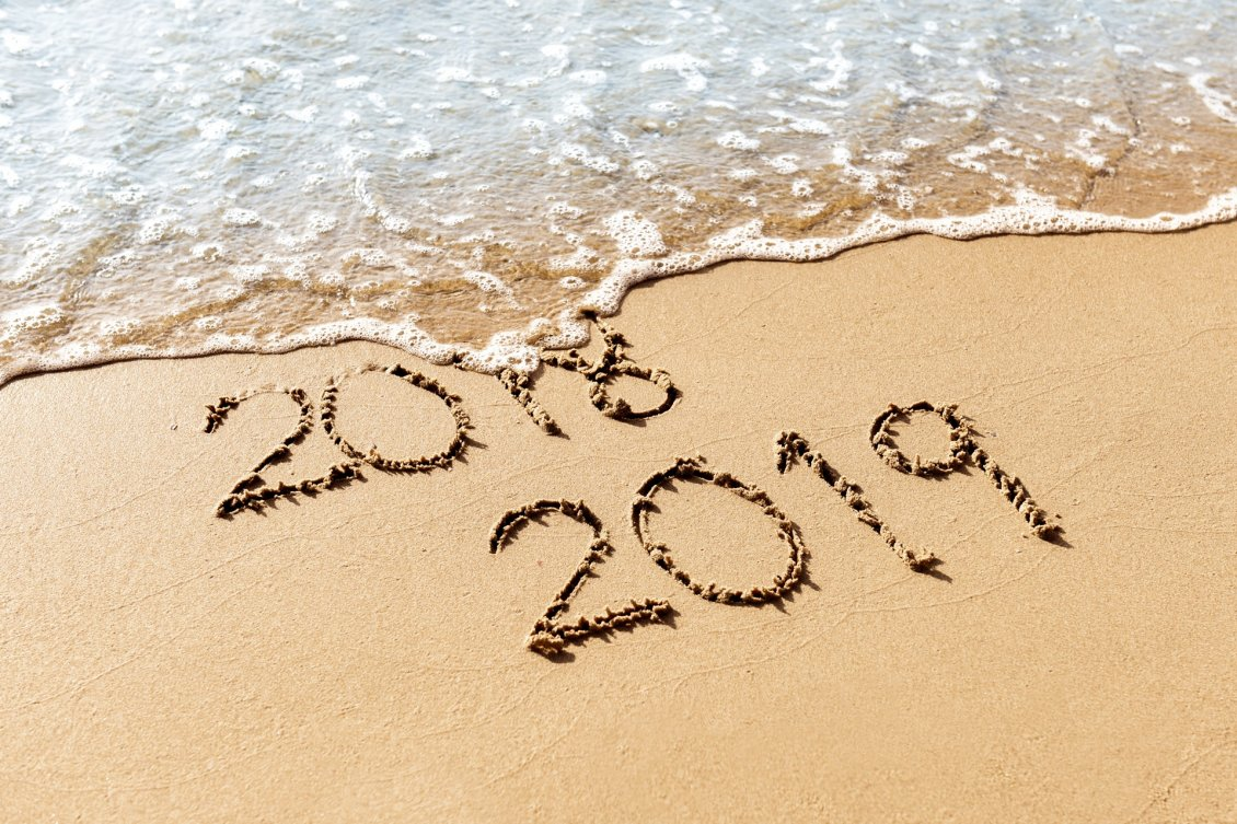 Download Wallpaper Bye bye 2018- Start a new year - Happy 2019 at the seaside