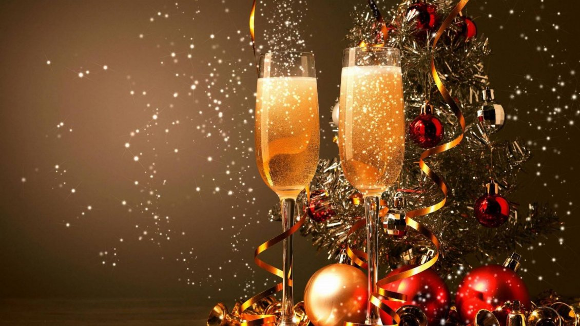 Download Wallpaper Champagne for a golden year to be - Happy New Year 2020