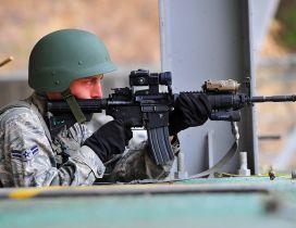 US soldier shooting gun HD