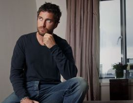 Actor Gerard Butler wallpaper