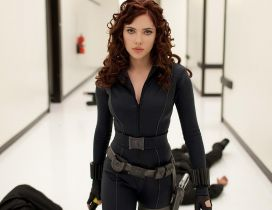 Scarlett Johansson in black in the Iron Man 2 movie