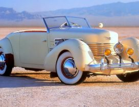 White convertible car in the desert - Beautiful car