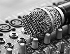A microphone on a station - Music wallpapper