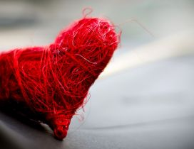 A heart made of red thread - Love wallpaper