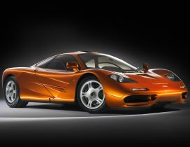 Orange McLaren F1 - Tuned sport car