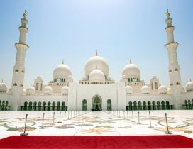 Abu Dhabi Sheikh Zayed Mosque - An amazing building