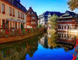 A stunning blooming Strasbourg corner