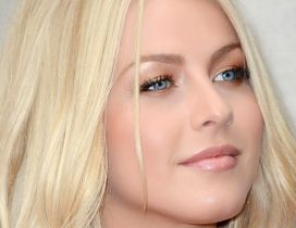 The dancer Julianne Hough blonde with blue eyes