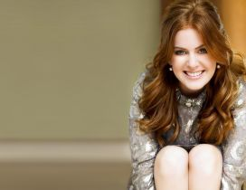 Happy actress Isla Fisher - Celebrity wallpaper