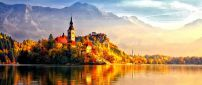 Beautiful castle in the light of Autumn sun - HD wallpaper