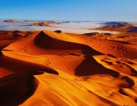 Stunning desert landscape - HD wallpaper
