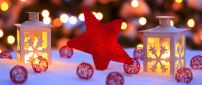 Red Christmas star and accessories - Winter HD wallpaper