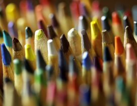 Macro wallpaper - colourful crayons for painting