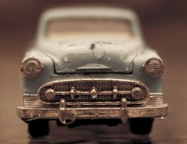 Big water drop on an old small car - HD wallpaper