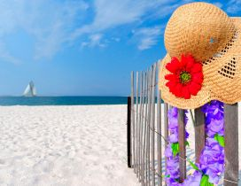 Summer hat perfect for seaside - HD wallpaper