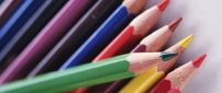 Color crayons for a new year of school - HD wallpaper
