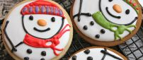 Delicious winter cookies with snowman - HD wallpaper