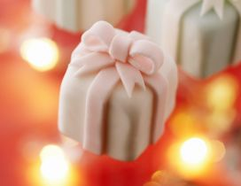 Candies in shape of gift box - HD wallpaper