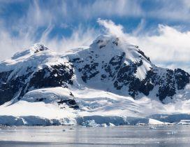 White mountain full with snow - HD wonderful winter season
