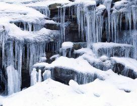 Wonderful frozen waterfall - HD winter wallpaper