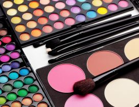 Millions of colors for a perfect make-up