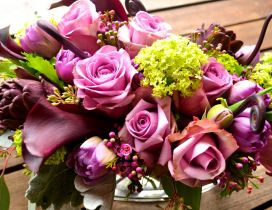 Fresh flowers in a wonderful bridal bouquet - HD wallpaper