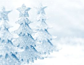 Wonderful white Christmas tree - Crystals snowflakes