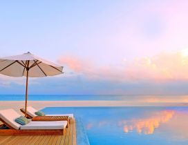 Infinity pool - Summer time relaxing holiday