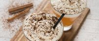 Delicious drink with cream and cinnamon - HD wallpaper