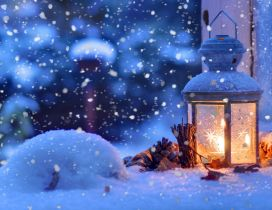 Candle outside in a winter cold night - HD wallpaper