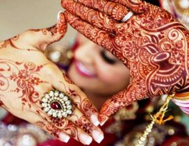 Mehndi art on body - Indian Henna wedding style