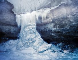 Wonderful Frozen Waterfalls around the world